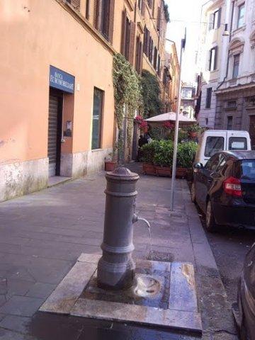 Massimiliano_Paduano_-_Largo_del_tritone
